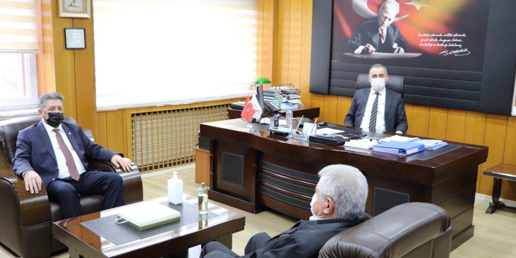 Nazilli ticaret odası aydın il tarım ve orman müdürü Ahmet Ökdem'i makamında ziyaret etti
